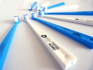 Adult toothbrush4